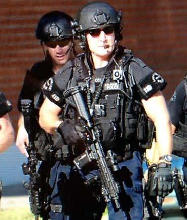 ロサンゼルス市警察 SWATショル...
